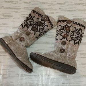 Muk Luks 9 slipper boots sweater